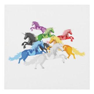 Unicornios salvajes coloridos del ejemplo cuadro