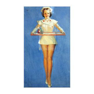 Uniforme atractivo de la enfermera del vintage lienzo
