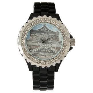 Uno de un reloj bueno de Japón del castillo de
