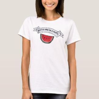 Uno en un melón camiseta
