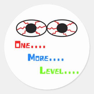 Uno… Más… Nivel… - Ojos inyectados en sangre Pegatina Redonda