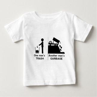 Uno sirve basura camiseta de bebé