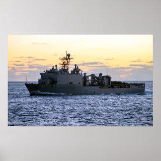USS Fort McHenry (lsd 43) Póster
