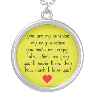 Usted es mi collar del encanto de la sol