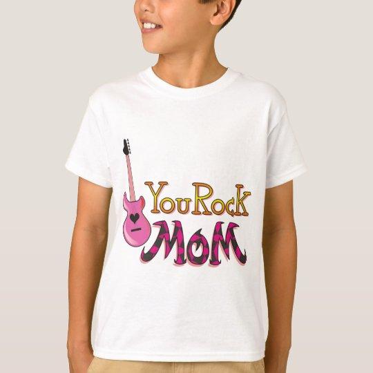 Usted oscila, las camisetas de la mamá