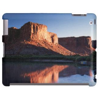 Utah, mesa de A que refleja en el río Colorado 1 Funda Para iPad