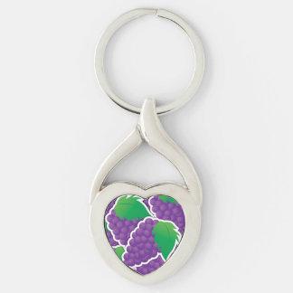 Uvas púrpuras enrrolladas llavero plateado en forma de corazón