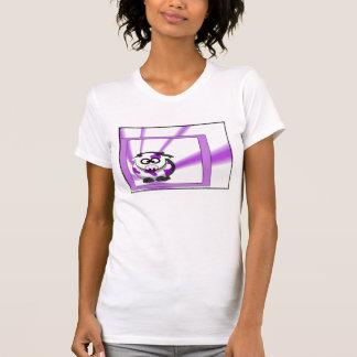 Vaca púrpura en fondo púrpura enrrollado camisetas
