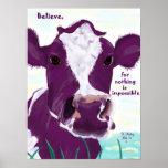 Vaca púrpura que comtempla muy posiblemente vuelo póster