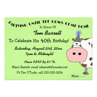 ¡Vaca santa! Invitaciones divertidas de la fiesta  Comunicados