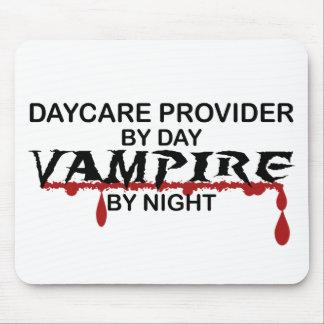Vampiro del proveedor de la guardería por noche alfombrilla de ratón