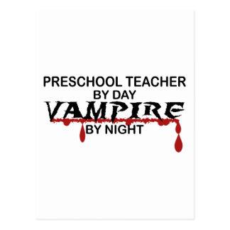 Vampiro preescolar del profesor por noche tarjetas postales