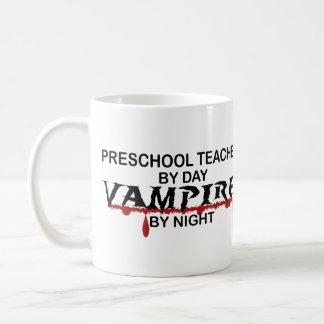 Vampiro preescolar del profesor por noche taza