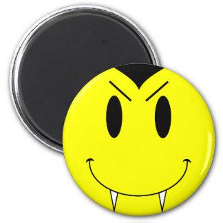 Vampiro sonriente amarillo de la cara del KRW Imán Redondo 5 Cm