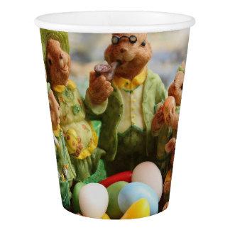 Vaso De Papel Familia y huevos del conejo de conejito de pascua