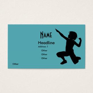 Vaso del muchacho en el borde tarjeta de negocios