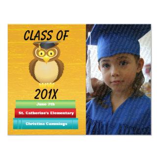 Vea la invitación graduada Whooo de la graduación