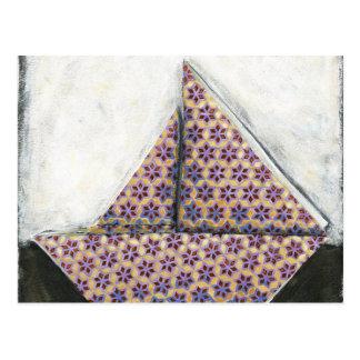Velero de Origami en el papel del diseño de la Postal