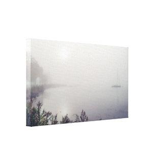 """Velero en la niebla 14x8 .75"""" impresión en lienzo"""