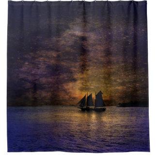 Velero en la puesta del sol en la cortina de ducha