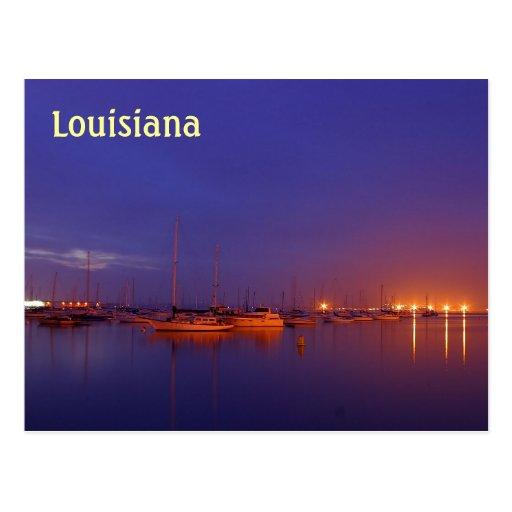 Veleros de Luisiana en puerto deportivo en la post Tarjeta Postal