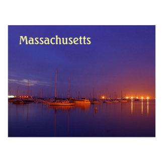 Veleros de Massachusetts en puerto deportivo en la Postales