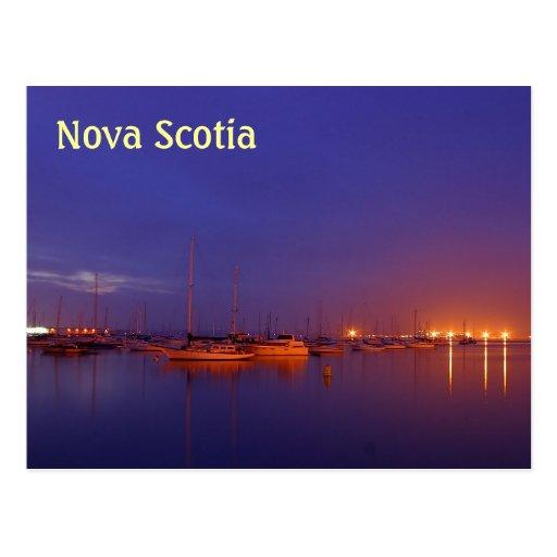 Veleros de Nueva Escocia en puerto deportivo en la Postales
