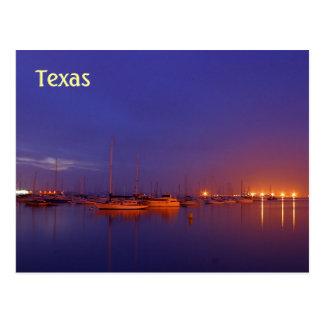 Veleros de Tejas en puerto deportivo en la postal