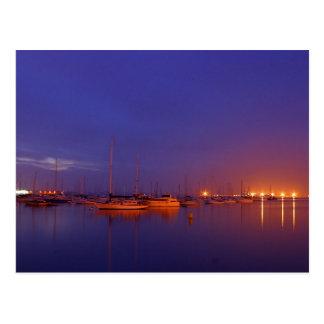 veleros en puerto deportivo en la postal de la osc