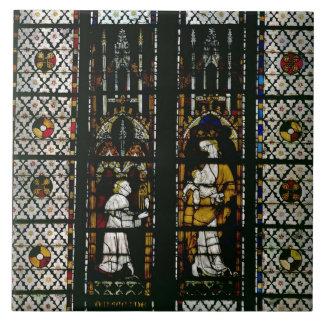 Ventana que representa la Virgen y al Raúl de Ferr Azulejos Cerámicos