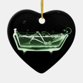 Verde del esqueleto de la radiografía de la tina adorno de cerámica en forma de corazón