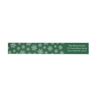Verde envuelto de la etiqueta del copo de nieve etiquetas postales