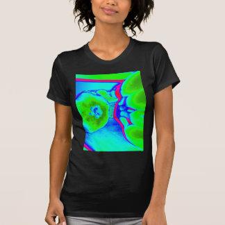 verde fluorescente de la fruta camisetas