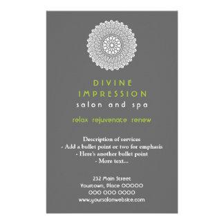 Vertical verde divina de la impresión folleto 14 x 21,6 cm