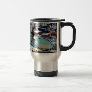 Vespa vieja preciosa taza de viaje