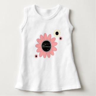 Vestido adorable del bebé - floreciendo