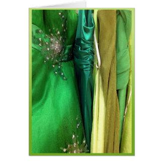 Vestidos verdes del baile de fin de curso tarjeta de felicitación