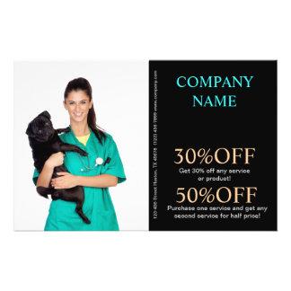 veterinario lindo del servicio del mascota de los  folleto 14 x 21,6 cm
