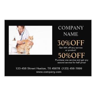 Veterinario lindo moderno del servicio del mascota tarjetas informativas