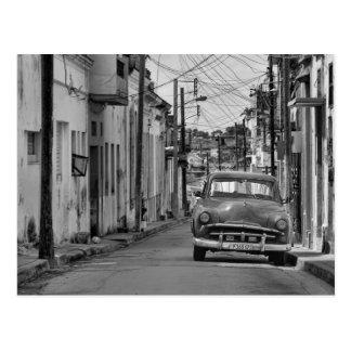 Viaje blanco negro de Cuba del coche del Oldtimer Postal