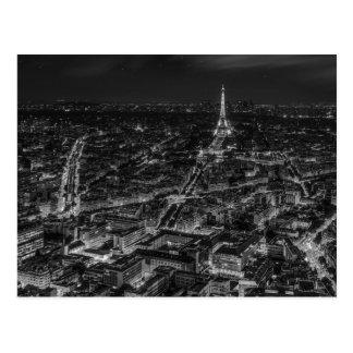 Viaje blanco negro de la torre Eiffel de la noche Postal