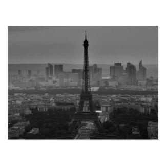 Viaje blanco negro de París Europa de la torre Postal
