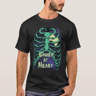 Videojugador del perro en la camiseta del corazón