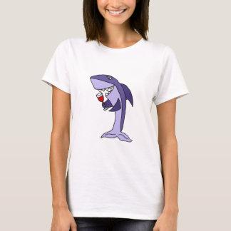 Vidrio de consumición divertido del tiburón azul camiseta