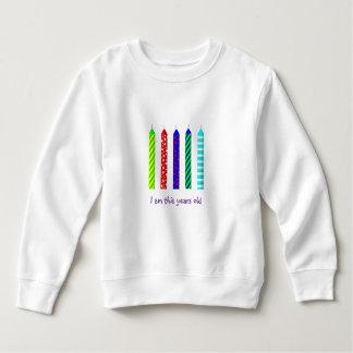 Vieja blusa de manga larga de cinco años del camisetas