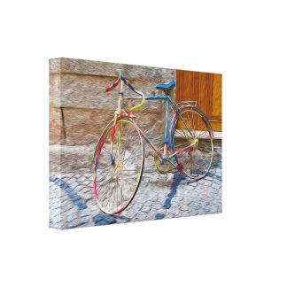 Vieja lona colorida de la bici lienzo
