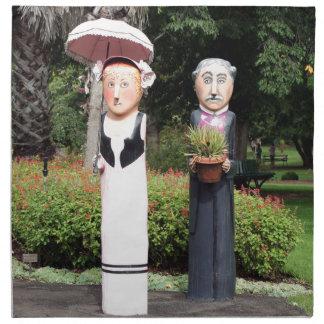 Viejas esculturas casadas de los pares servilleta de tela