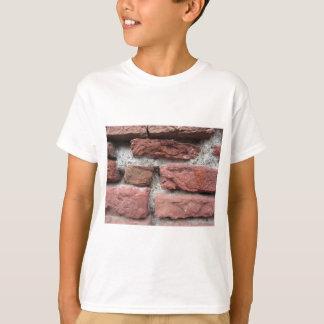 Viejo fondo de la pared de ladrillo camiseta
