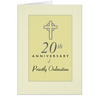 vigésimo Aniversario del sacerdote con la cruz Tarjeta De Felicitación