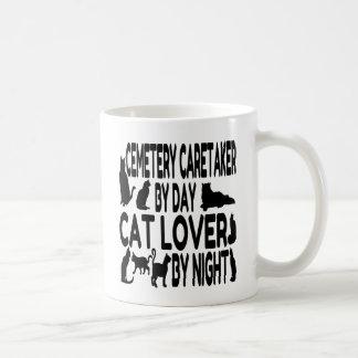 Vigilante del cementerio del amante del gato taza de café